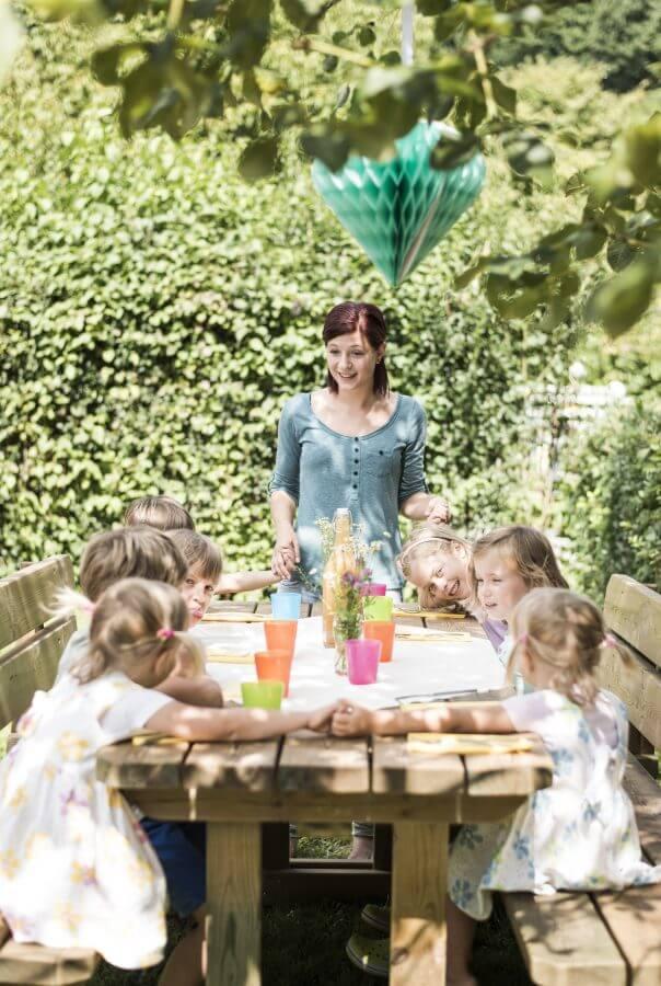 Feier, Kinder, Essen